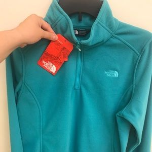 NWT North Face fleece pull over Size L